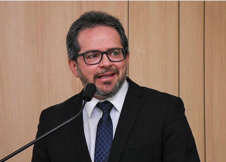 Capa de artigo: Conselheiro Valdecir Pascoal